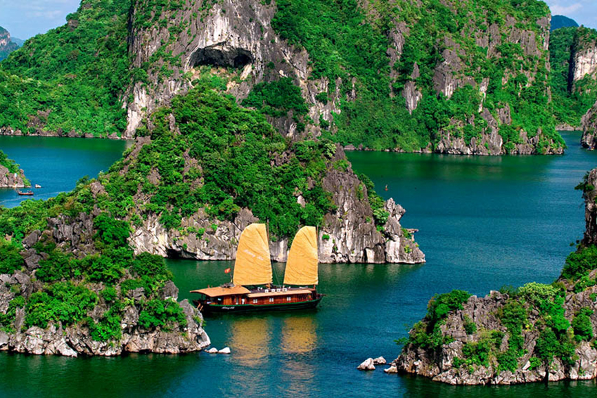SWIFT ESCAPE PACKAGE (Hanoi – Halong – Hanoi 4 days 3 nights)